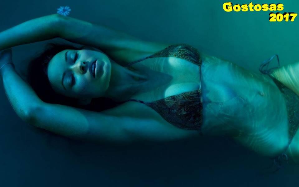 gostosa-olivia-wilde-underwater